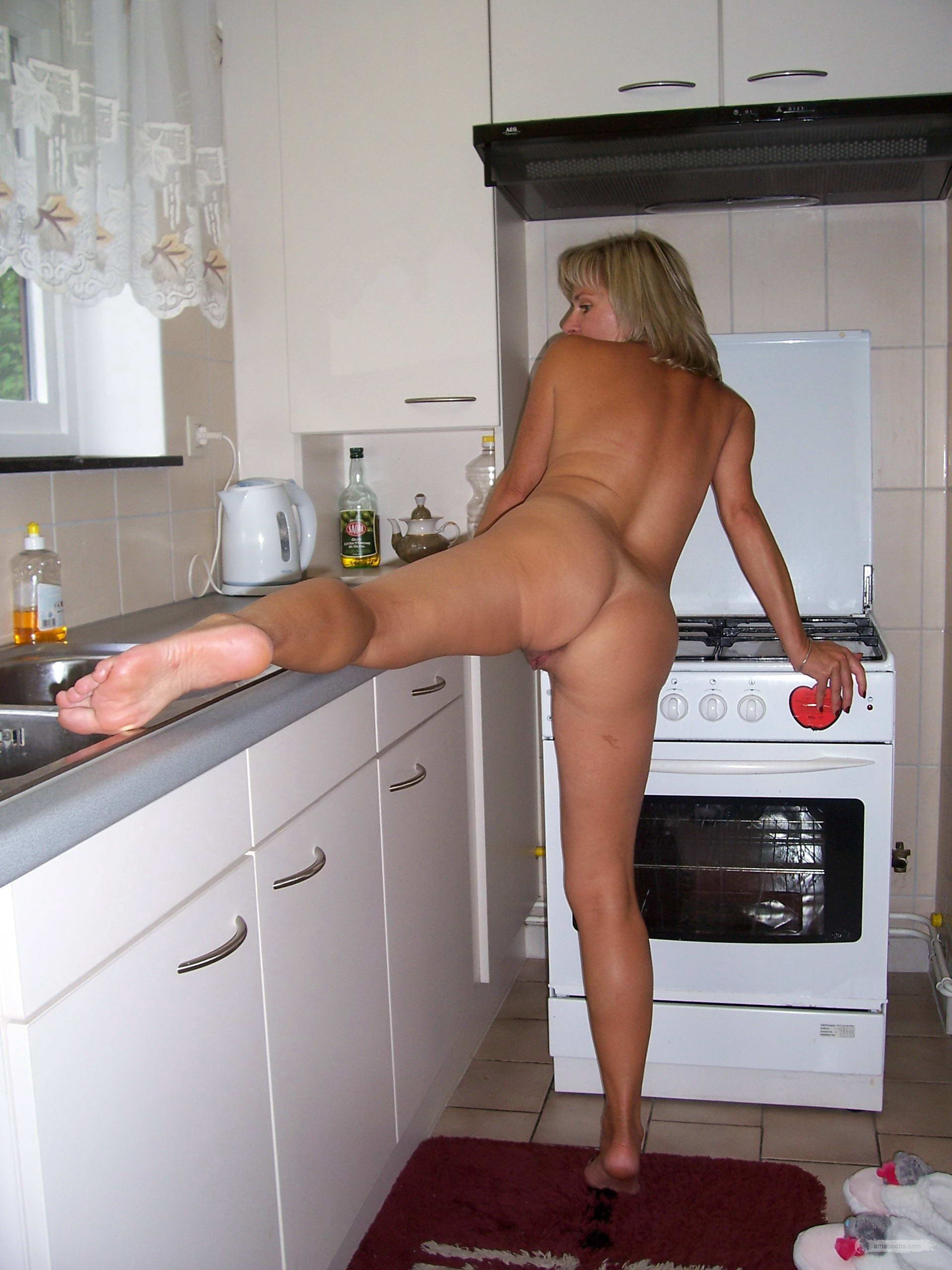 Nude in kitchen pics-6858
